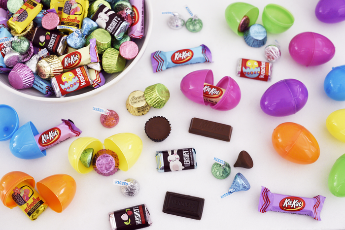 Image of HERSHEY'S Assorted Easter Candy - 140 Piece Bags [1 pack] Packaging