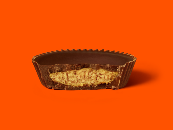 Image of REESE's Chocolate Lovers Cups Packaging