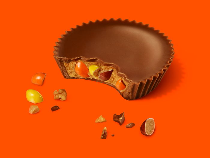 Image of REESE'S Peanut Butter Cups with REESE'S PIECES Packaging