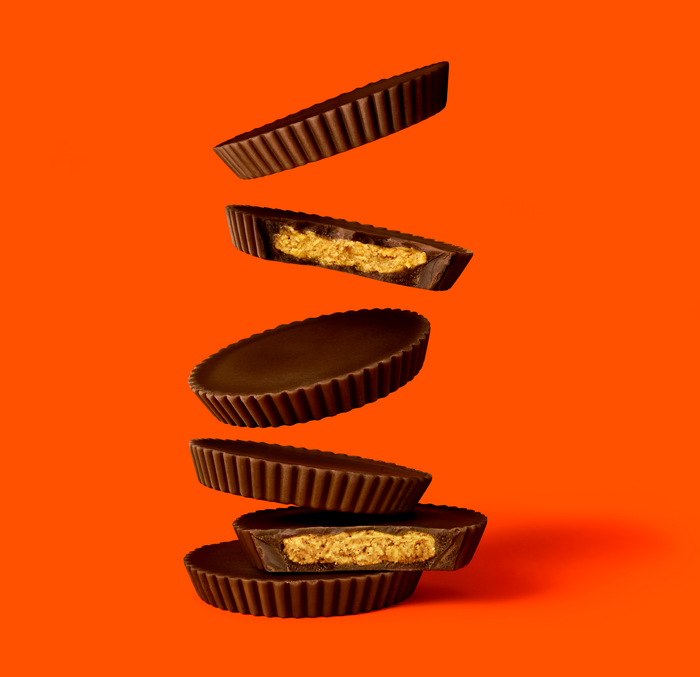 Image of REESE'S Peanut Butter Dark Chocolate THiNS Packaging