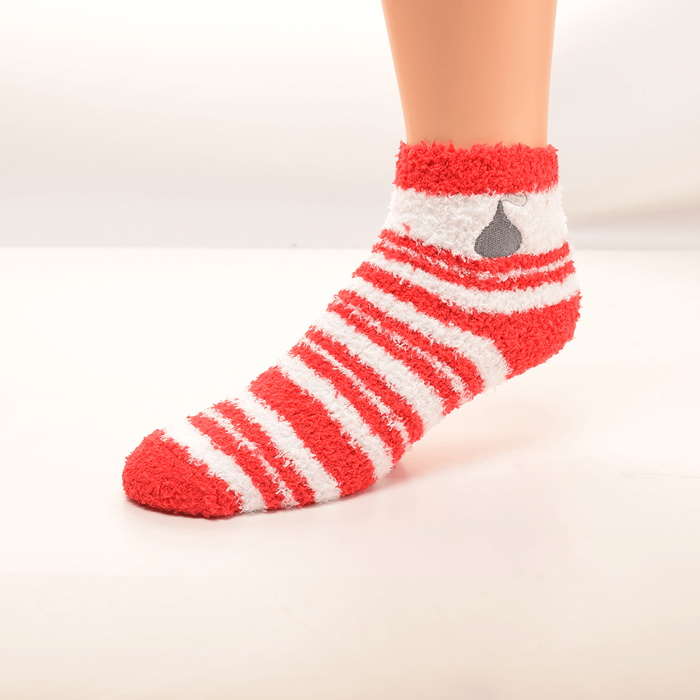 Image of KISSES Fuzzy Socks, 1 pair Packaging