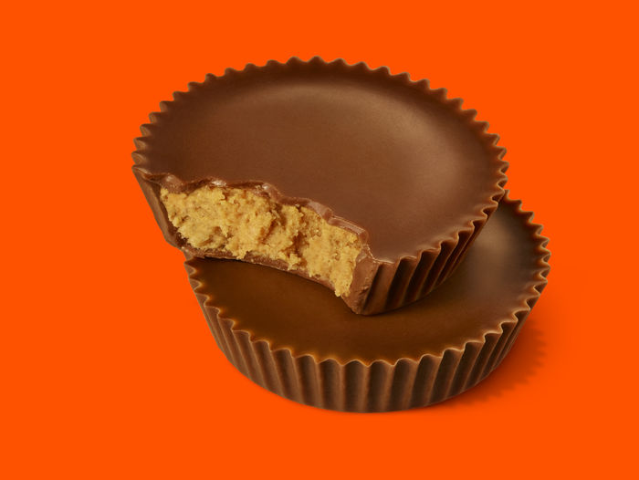 Image of REESE'S Snack Size Peanut Butter Cups - 471 ct. [16.19 lbs. box] Packaging