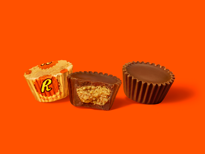 Image of Nostalgic REESE'S Candy Tin Packaging