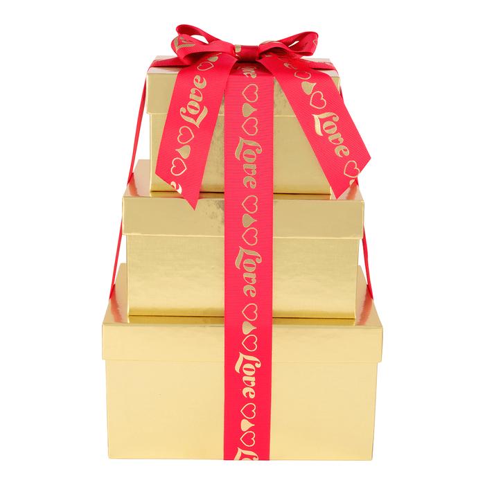 Image of HERSHEY'S Three-Box Chocolate Love Gift Tower Packaging