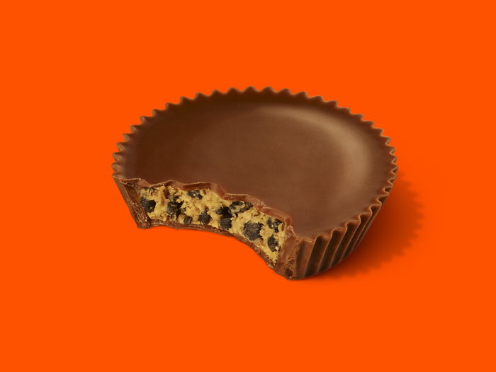 Image of REESE'S Crunchy Cookie Cups Packaging