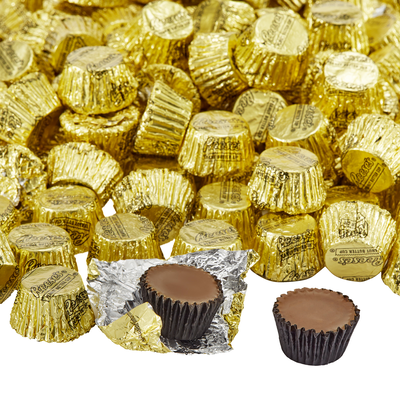 REESE'S Peanut Butter Cups Miniatures in Gold Foils - 4.16 lb. Bag