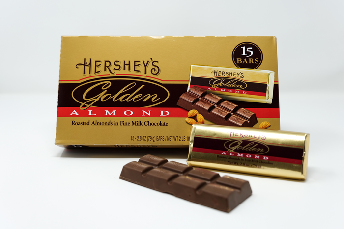 Image of HERSHEY'S GOLDEN ALMOND Bar Gift box Packaging