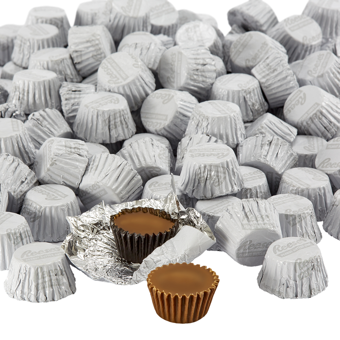 Image of REESE'S Peanut Butter Cups Miniatures in White Foils - 4.16 lb. Bag [4.16 lb. bag] Packaging