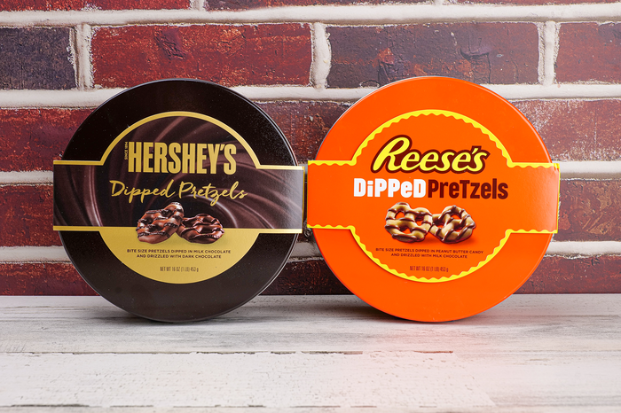 Image of REESE'S Dipped Pretzel Tin, 1 tin Packaging