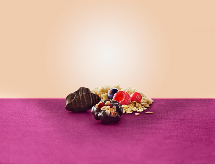 Image of BROOKSIDE Dark Chocolate Crunchy Clusters Berry Medley Fruit Flavors - 2.5 oz. Packaging