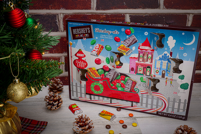 Image of HERSHEY'S Milk Chocolates Holiday Advent Calendar Packaging