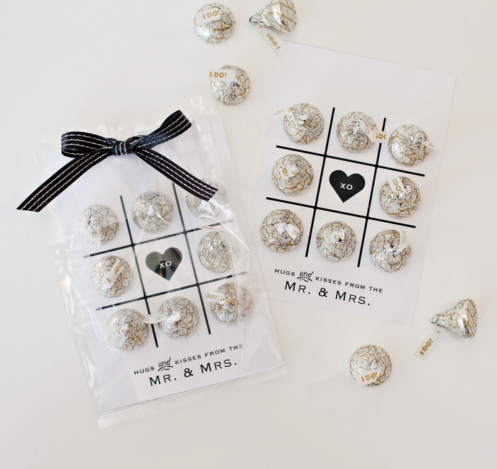 """Image of KISSES Milk Chocolates with """"I Do!"""" Foils and Plumes (Wedding) - 48 oz. Bag Packaging"""