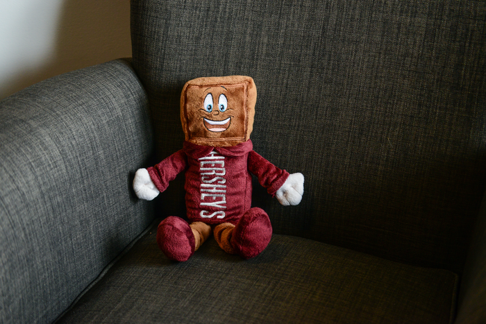 Image of HERSHEY'S Character Plush Toy Packaging