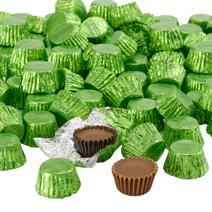 Image of REESE'S Peanut Butter Cups Miniatures in Kiwi Green Foils - 4.16 lb. Bag [4.16 lb. bag] Packaging