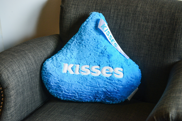 Image of Blue KISSES Pillow Packaging